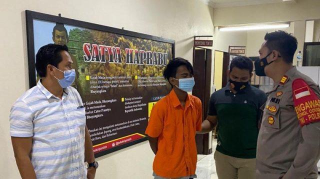 Lantaran Bayar Rokok Kurang, Pedagang di Cipondoh Bacok Pembeli